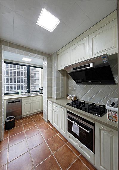 厨房图片来自家装大管家在清新淡雅 123平现代简约混搭3居的分享