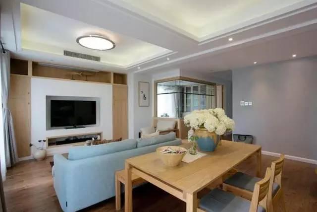 简约 日式风格 三居 客厅图片来自实创装饰上海公司在好美的94平日式三居的分享