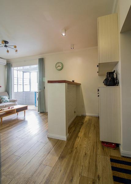 餐厅图片来自家装大管家在暖色系温馨 102平现代简约3居室的分享