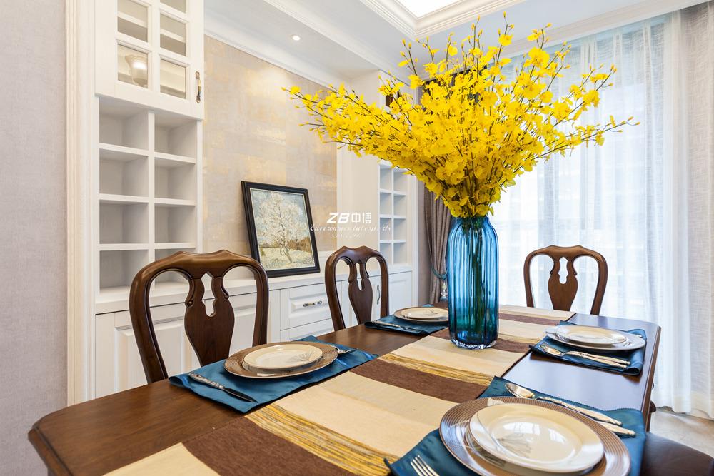 美式 三居 环保 温馨 餐厅图片来自中博装饰在德清英溪桃园135方现代美式风的分享
