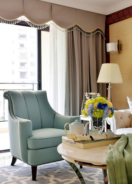 客厅图片来自家装大管家在明艳典雅 126平欧式田园淡雅3居的分享