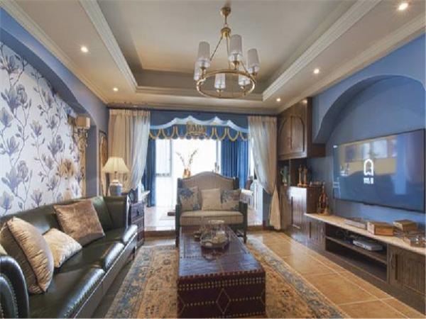 客厅运用到的一些湖蓝色以及局部黄色等跳色墙面处理,保证整体空间色彩协调且大面积为中性色的前提下而进行的大胆尝试。
