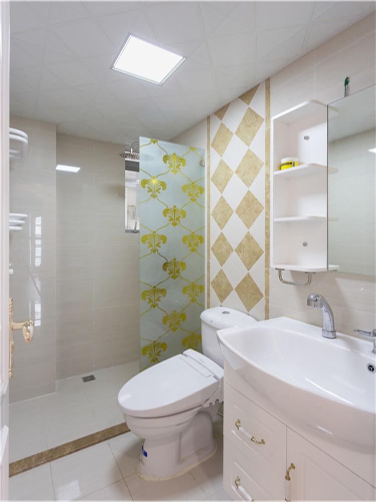 卫生间图片来自西安福尚装饰家装体验馆在长安大街3号两室两厅装修效果图的分享