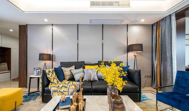 客厅图片来自家装大管家在暖暖的空间 150平现代港式3居室的分享
