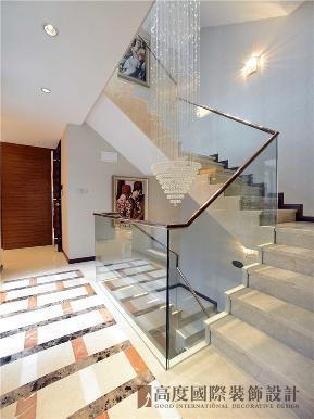现代 大都会 四居 复式 小资 楼梯图片来自沙漠雪雨在175平米现代大都会小复式楼的分享