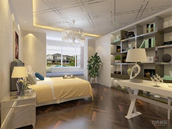 卧室则处在户型的最里面属于一个安静的区域,考虑到业主的生活习惯,为了更好的提高生活质量,这样的设置能够保证主人的睡眠,不受外界声音的打扰