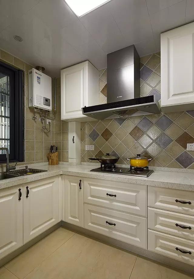 厨房图片来自实创装饰上海公司在89平现代美式家的分享