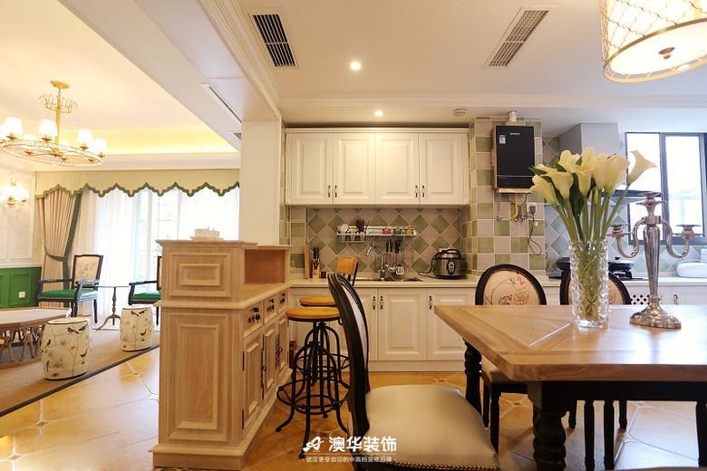 厨房图片来自澳华装饰有限公司在楚天都市雅园·法式田园 高雅演绎的分享