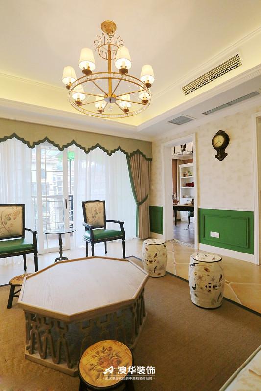 客厅图片来自澳华装饰有限公司在楚天都市雅园·法式田园 高雅演绎的分享