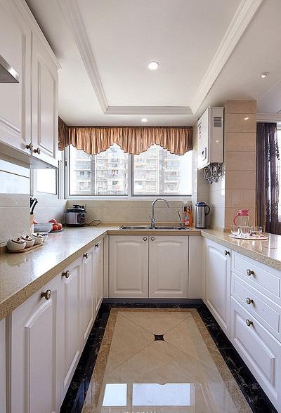 厨房图片来自家装大管家在110平现代欧式3居 幸福生活起航的分享