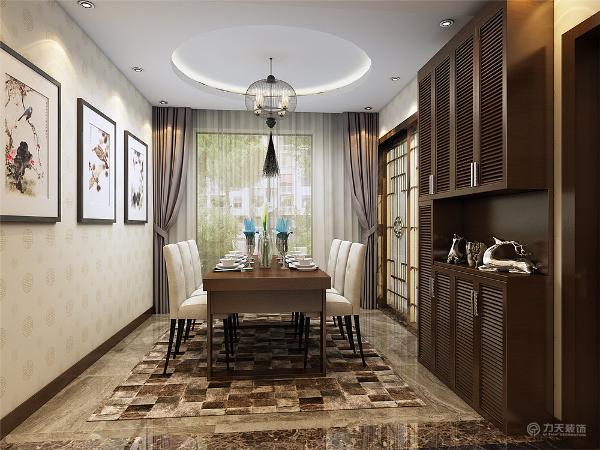 餐厅区放了一个常规的6人方桌,门厅处放了一个通顶式的的鞋柜,客餐厅整体色调片深一点,厚重一点。