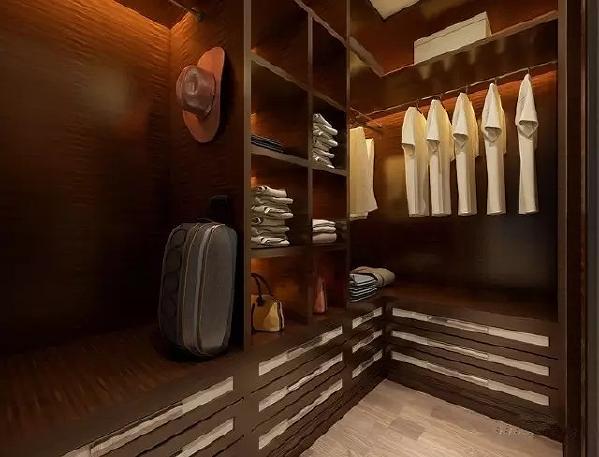 为了满足女主的衣帽间需求 设计师设计之初省去了衣柜, 将卧室的一小部分打造为一个衣帽间 /比传统的衣柜储物空间增大20%/