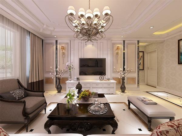 客厅非常需要用家具和软装饰来营造整体效果,色彩鲜艳的布艺沙发,是欧式客厅里的主角。还有窗帘,精美的油画,制作精良的雕塑工艺品,都是点染欧式风格不可缺少的元素。
