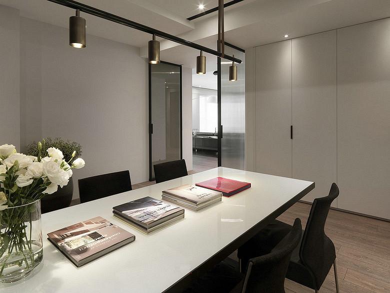 餐厅图片来自家装大管家在轻松悠闲 145平现代简约时尚3居的分享