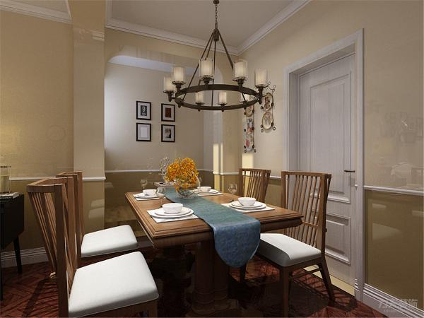 餐桌餐椅的材质都是简洁大方的,沙发以灰白色的磨绒皮质,配上靠包,复古大气的地毯,及深色的地板,颜色和谐统一,空间富有层次感,室内氛围和谐。