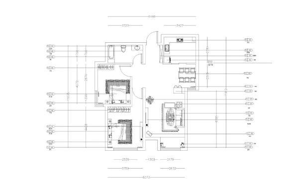 首先,从入户门进入,左边映入眼帘的是通顶的鞋帽柜,再往里走是餐厅,然后就是客厅,紧接着就是客厅阳台,餐厅左手边是厨房的入口,玄关正对着的是客厅