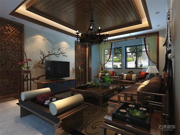 电视背景使用木制镂空花格做造型,为了区分,沙发背景墙选用浅黄色环保乳胶漆通刷,整体没有纯中式风格的复杂,又显得大气。家具也选用木质的材质,整个空间和谐统一。
