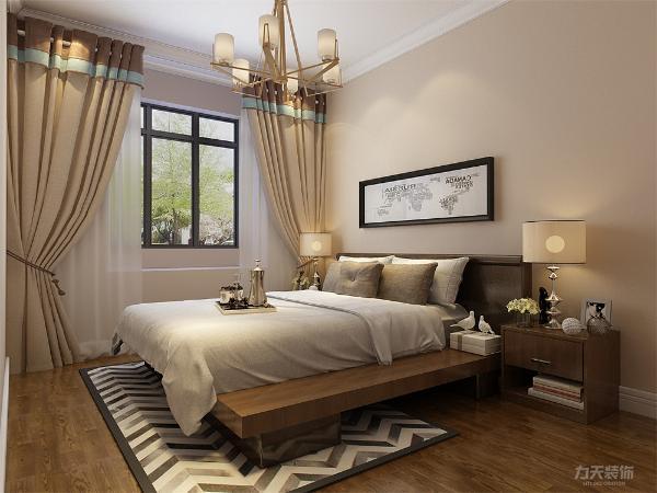 卧室地面采用强化复合地板。整体设计给人温馨舒适的感受。