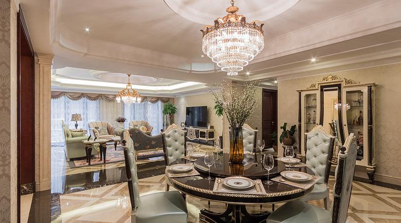 餐厅图片来自家装大管家在恢宏气势 190平浪漫法式温馨复式的分享