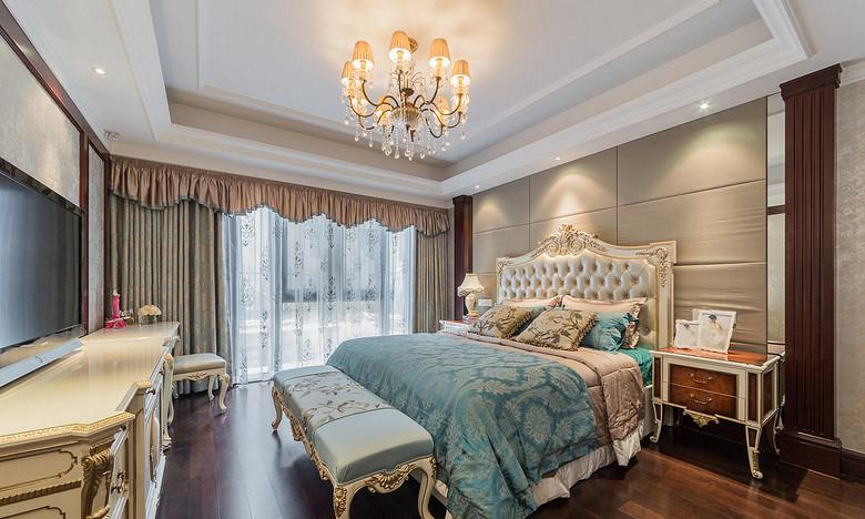 卧室图片来自家装大管家在恢宏气势 190平浪漫法式温馨复式的分享