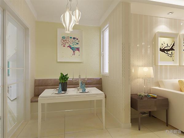 整个客餐厅选用清新风格家具,田园风格壁纸,洁净大方,元素浓郁;