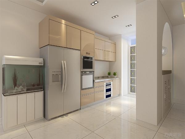 厨房空间充足,设有橱柜,双开门冰箱,业主爱好养鱼,在冰箱旁边设有鱼缸;入户门进来设有鞋架,造型独特。