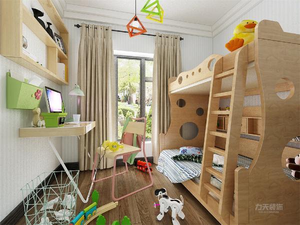 儿童房设有上下两层的小床还摆有小桌子,方便家长在卧室中与孩子在一起愉快的玩游戏
