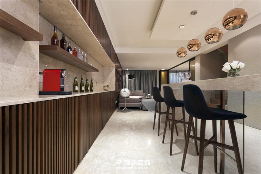 厨房图片来自澳华装饰有限公司在武汉天街·现代摩登再现绅士品格的分享