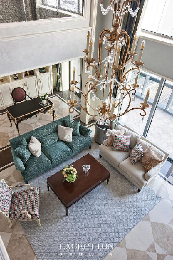 而且一张地毯不但能美化环境,还是个人品位的体现。纹理和样式的选择,可以根据室内风格相协调,这样可以保证空间的统一性。