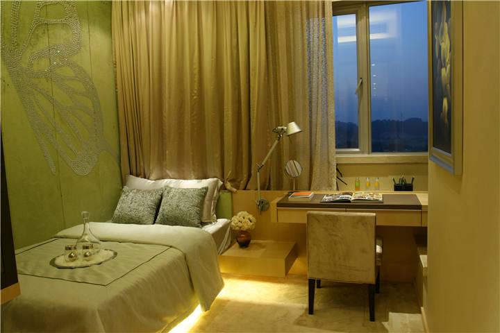 卧室图片来自广州九艺(三星)装饰设计在金域蓝湾邓生雅居的分享