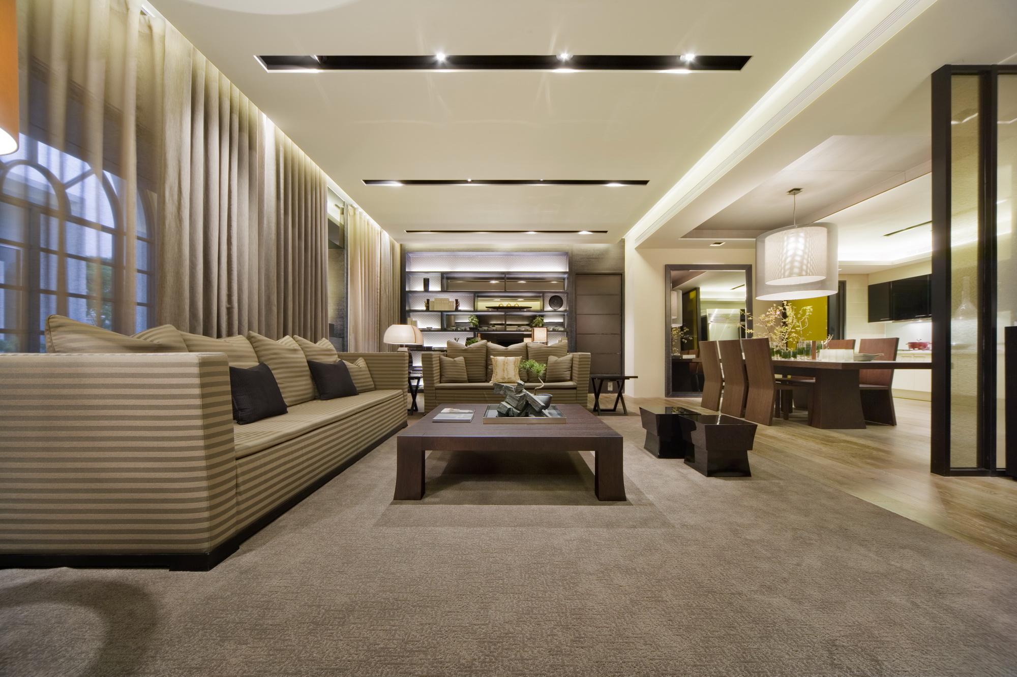 客厅图片来自广州九艺(三星)装饰设计在一品苑洪小姐雅居的分享