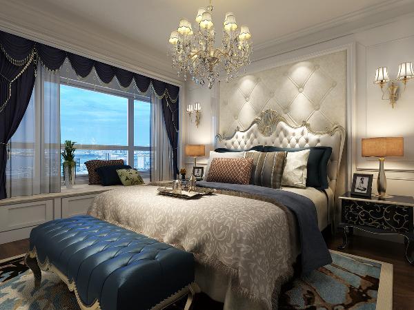 卧室新古典家具透着高贵气质。