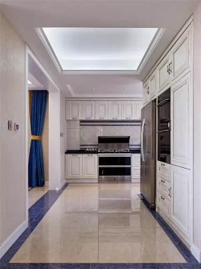 新古典 混搭 四居 小资 跃层 厨房图片来自沙漠雪雨在180平米新古典混搭跃层大宅的分享