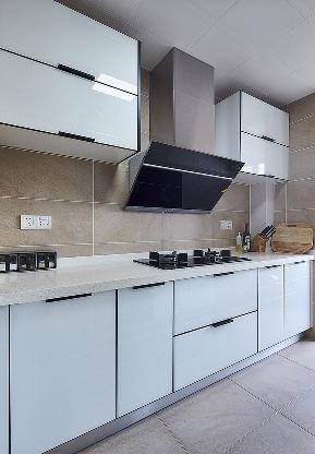 简约 现代 三居 白领 厨房图片来自家装大管家在满心愉悦 122平现代雅致时尚3居的分享