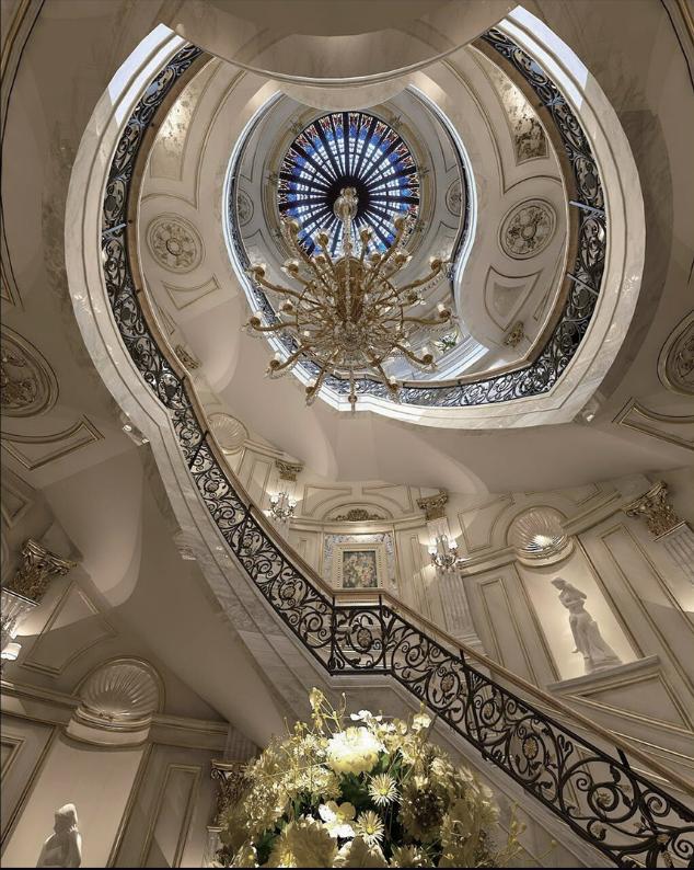欧式 别墅 客厅图片来自乐粉_20170228091152557在法式宫廷风格大宅作品的分享