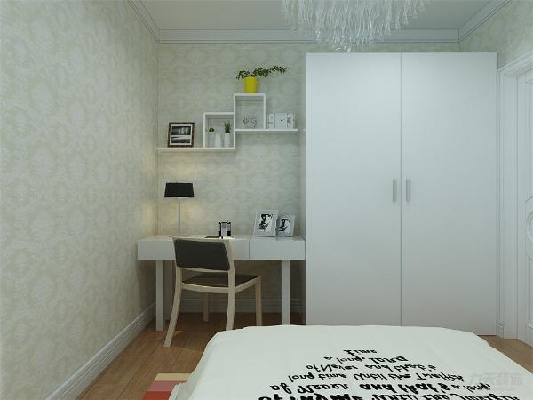 次卧室书桌上做隔板装饰。电脑桌上方做隔板,便于储物。整个空间功能分布合理,给人营造了一种温馨时尚和谐的家居生活。