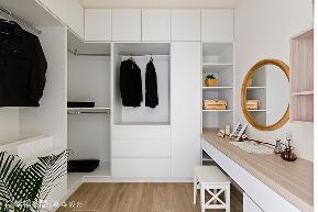 四房 简约 收纳 混搭 衣帽间图片来自幸福空间在木棉花语。净白温润铺述的分享