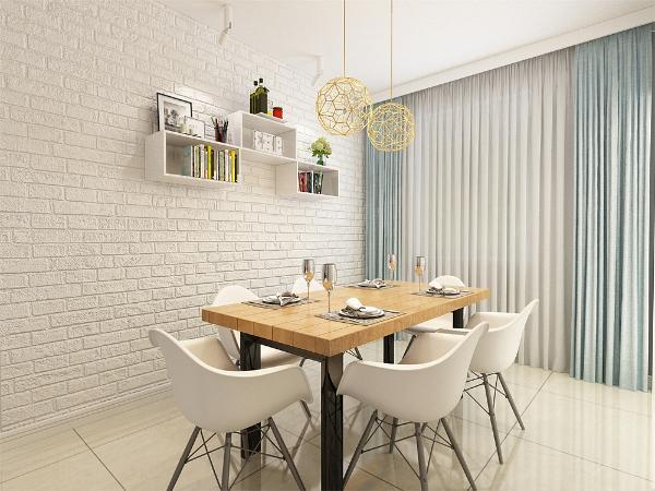 餐厅有自己独立的空间并且临近餐厅的地区有装饰墙的设置,可以放一些小摆设物