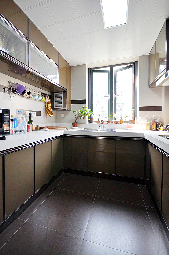 简约 现代 二居 小资 80后 厨房图片来自武汉全有装饰在奥山世纪城94平原木风格的分享
