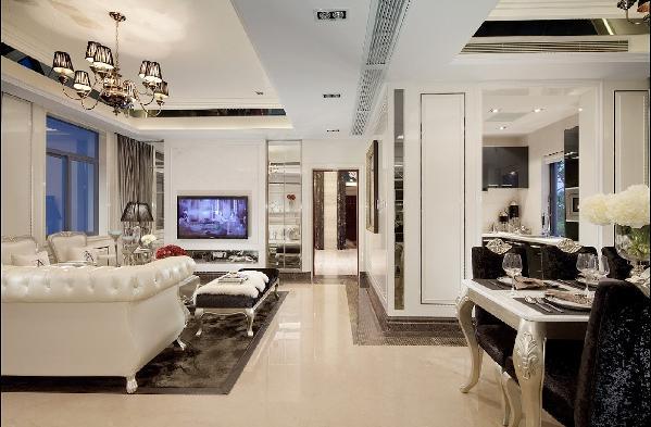 简欧风格的客厅弥漫着奢华大气的风格,让你瞬间眼前一亮