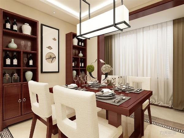 餐厅的中式餐桌厚重质朴,背景墙的浅色装饰,两者形成对比,使房间层次感明显。 画来装饰,使得房子古色古香,更加整体。