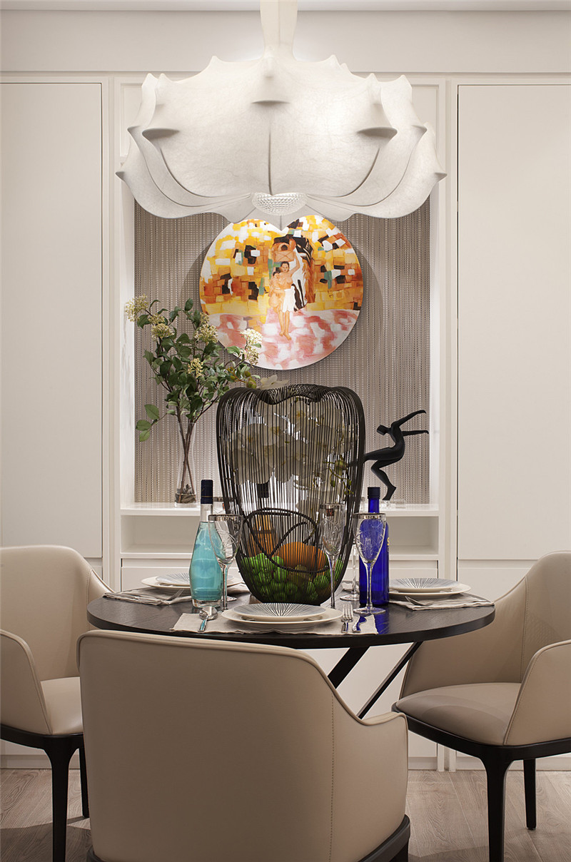 龙发装饰 格调林泉 现代 简约 二居 餐厅图片来自龙发装饰天津公司在格调林泉90平米现代极简风格的分享