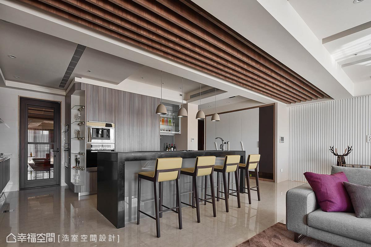 二居 现代 简约 收纳 餐厅图片来自幸福空间在现代时尚 大器迎宾宅邸的分享