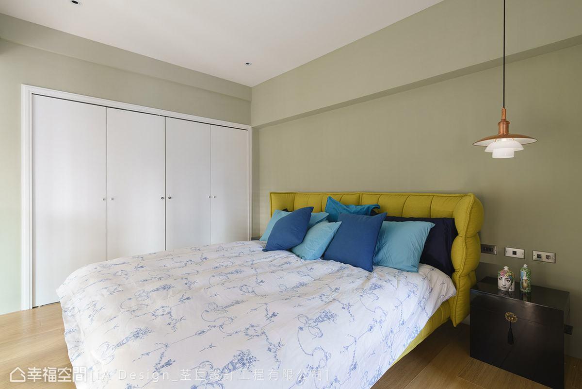 混搭 跃层 旧房改造 卧室图片来自幸福空间在复刻记忆 165平美剧复古场景的分享