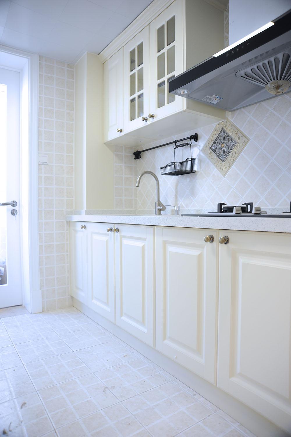 二居 厨房图片来自徐春龙设计师在传奇再现的分享