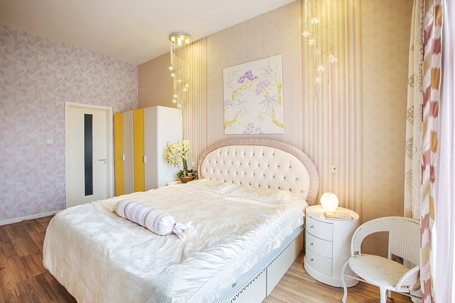 客厅 卧室 餐厅 旧房改造 80后 小资图片来自iHome短住公寓在禅意复式 豪华三居的分享