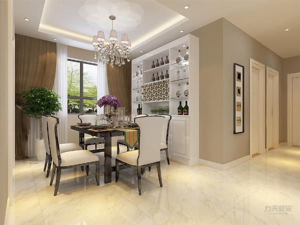 餐厅墙面粉刷奶咖色乳胶漆,清新不失大气,地面通铺800*800白色地砖,干净透亮。