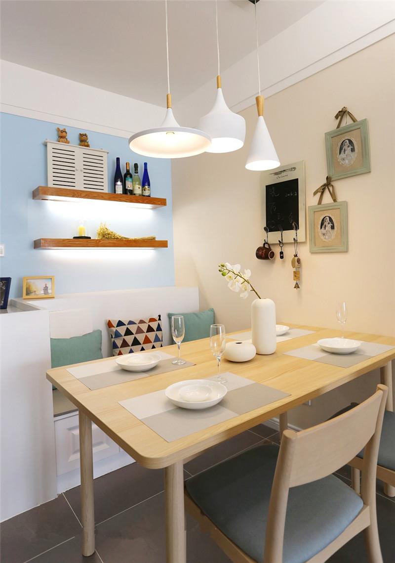 龙发装饰 格调林泉 二居 现代简约 装修设计 餐厅图片来自龙发装饰天津公司在格调林泉两居现代简约风格的分享