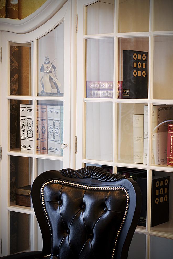 北京 公寓 精装 装修设计 新古典风格 书房图片来自北京紫禁尚品装饰刘霞在220平新古典风格作品的分享