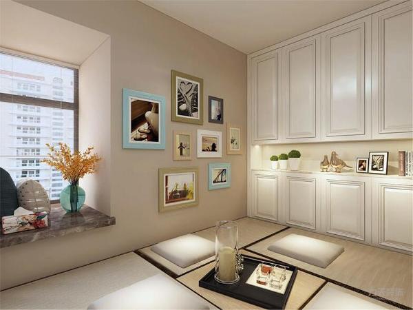 卧室背景墙用画做装饰,白、黄、蓝等色彩元素搭配整体体现温馨的感觉,柔和的色调,不会显得混乱。
